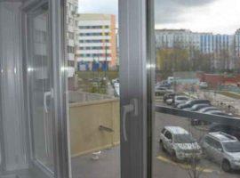 Трехстворчатое окно в квартире