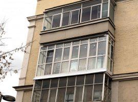 Окна в балконе в пол